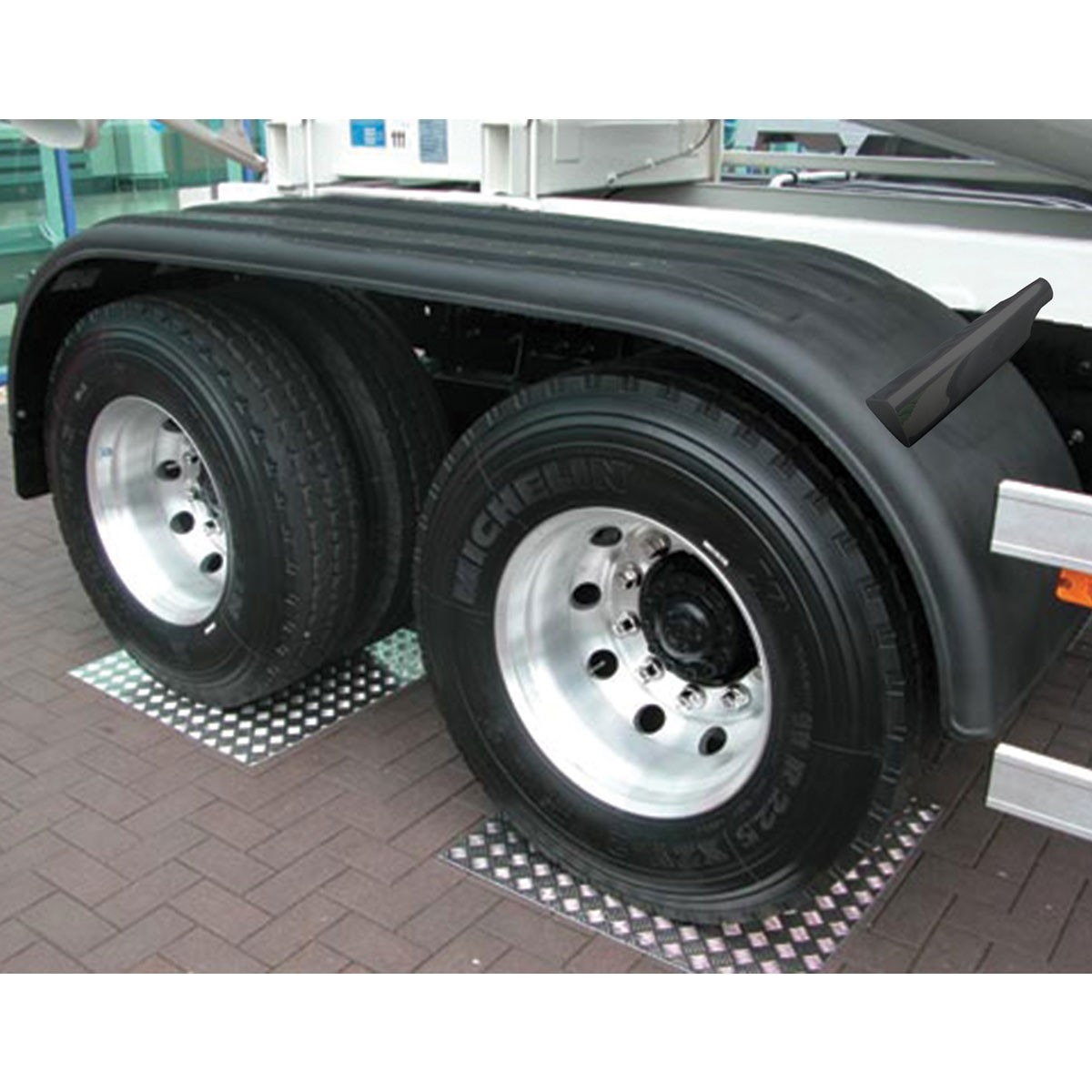 "Western Star 4900 >> 133"" Poly 3 Ribbed Full Fender with Rolled Edge - Poly ..."