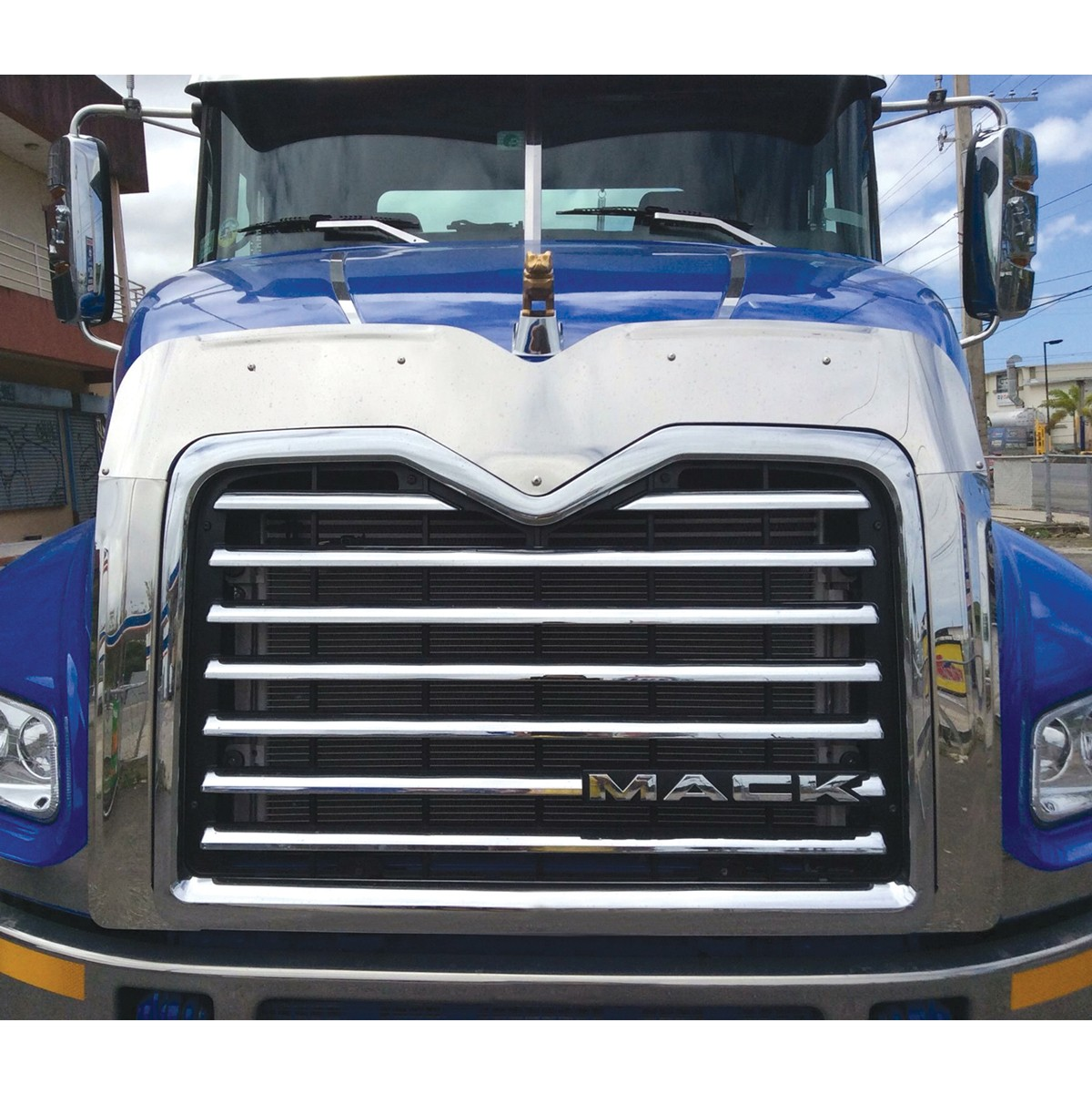 MACK VISION Bug & Side Grill Deflector - Grill Surrounds